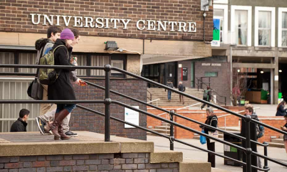 Students at Edgbaston Campus, University of Birmingham.