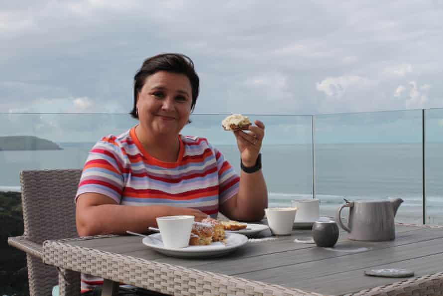 The cat who got the cream ... Susan Calman on her south-west trip.