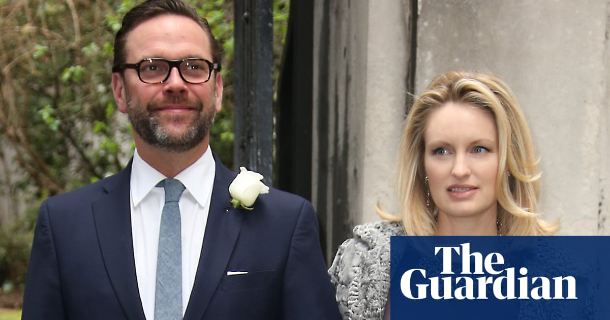James Murdoch criticises father's news outlets for climate crisis denial
