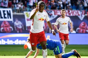 Ademola Lookman celebrates after scoring for RB Leipzig against Wolfsburg in May 2018.