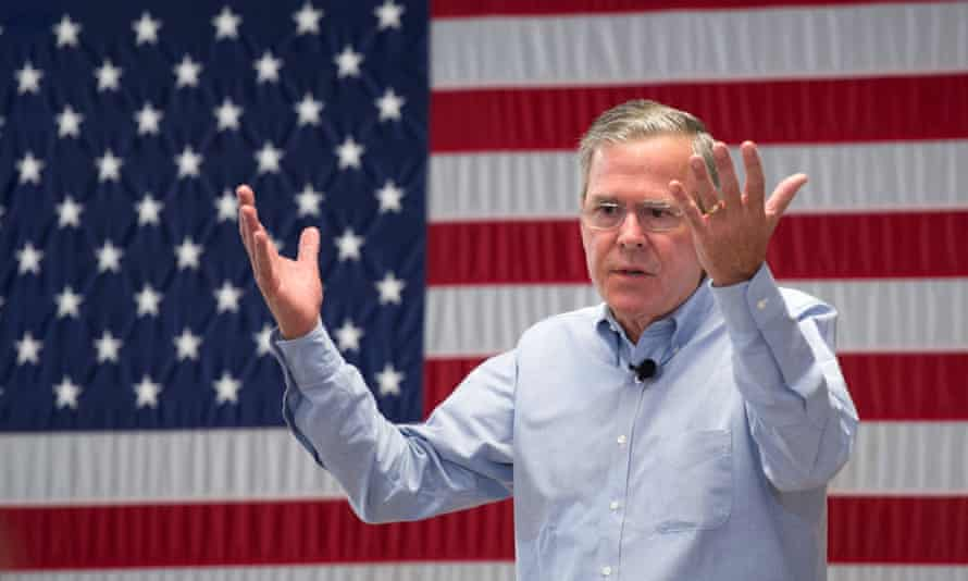 Jeb Bush speaks to students in New Hampshire.
