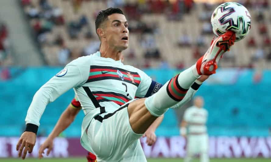 Cristiano Ronaldo beraksi untuk Portugal selama Euro 2020