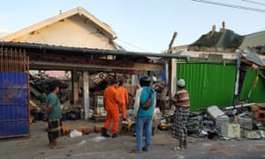 Thousands of houses have collapsed across Lombok and Bali after last night's earthquake.