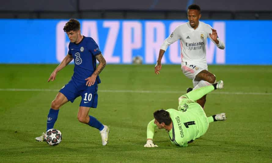 Christian Pulisic beats Thibaut Courtois to score in the first leg