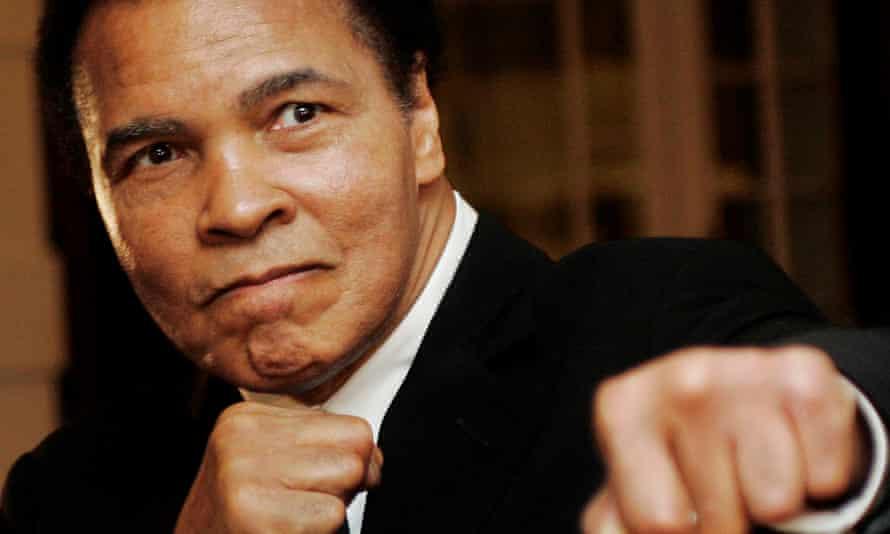 Muhammad Ali in 2006 in boxing pose.