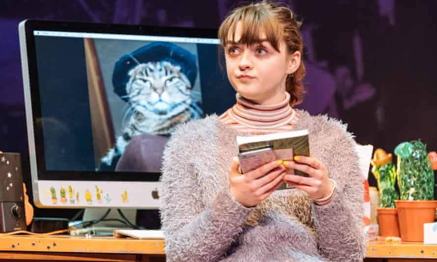 Maisie Williams (Caroline) in I and You at Hampstead Theatre. Photo credit Manuel Harlan (2)