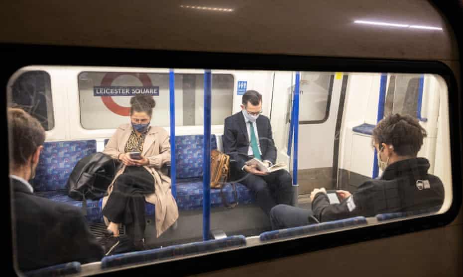 people on the tube