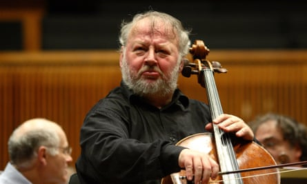 Heinrich Schiff at the Mann Auditorium performing with the Israel Philharmonic Orchestra 2009.