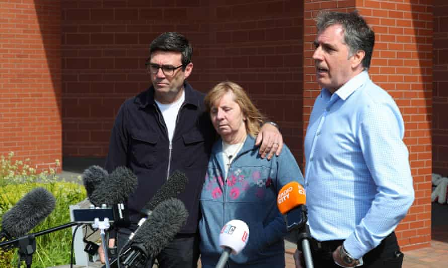 Hillsborough campaigner Margaret Aspinall with Andy Burnham (left) and Steve Rotheram, speaking to the media after the collapse of the trial.