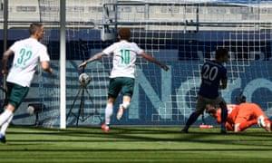 Werder Bremen's Marco Friedl (left) and Joshua Sargent (second left) celebrate the winning goal at Schalke.