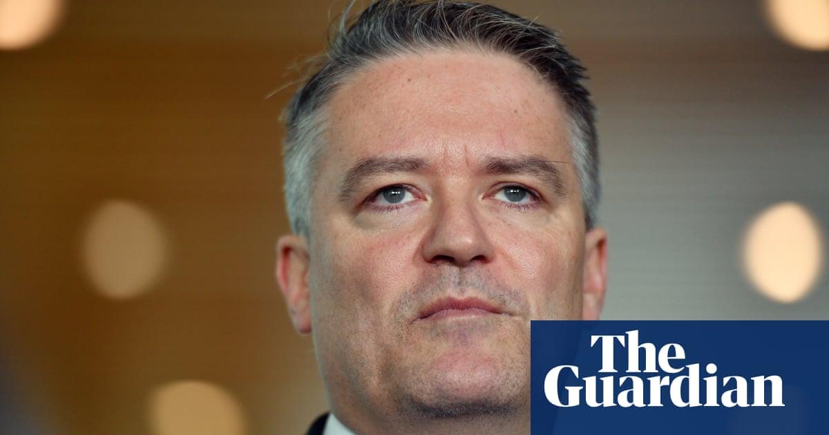'Admin error' blamed for Coalition's support of Hanson's 'OK to be white' – vi...