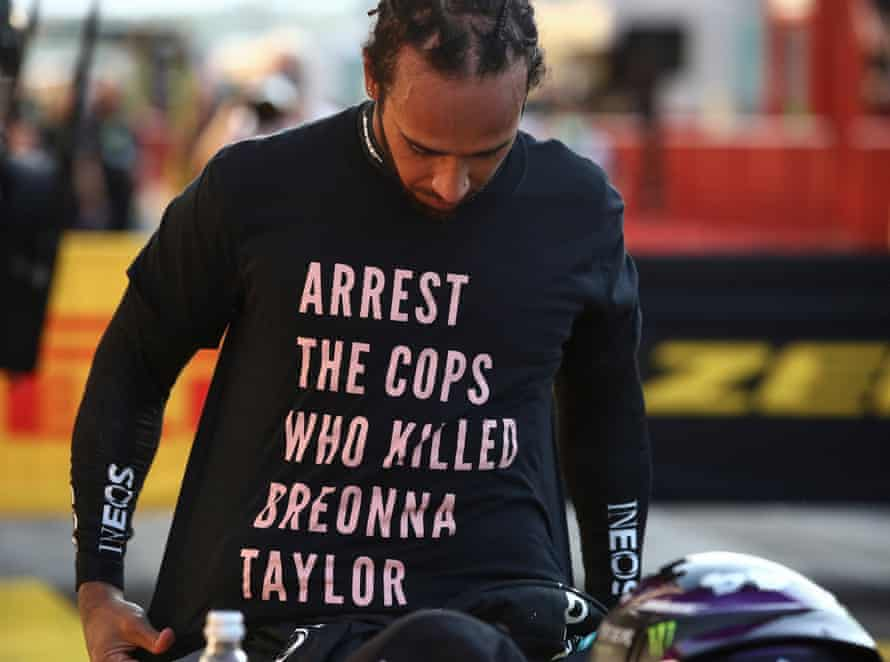 Mercedes Lewis Hamilton wears a shirt in respect of the late Breonna Taylor after winning the Grand Prix of Tuscany in Mugello on 13 September.