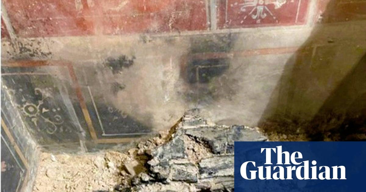 'Miniature Pompeii' found beneath former cinema in Verona