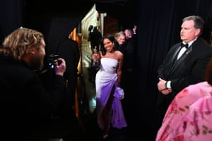 Regina King, who won best supporting actress for If Beale Street Could Talk, enjoys her moment backstage