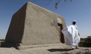 Sane Chirfi and mausoleum of Alpha Moya in Timbuktu