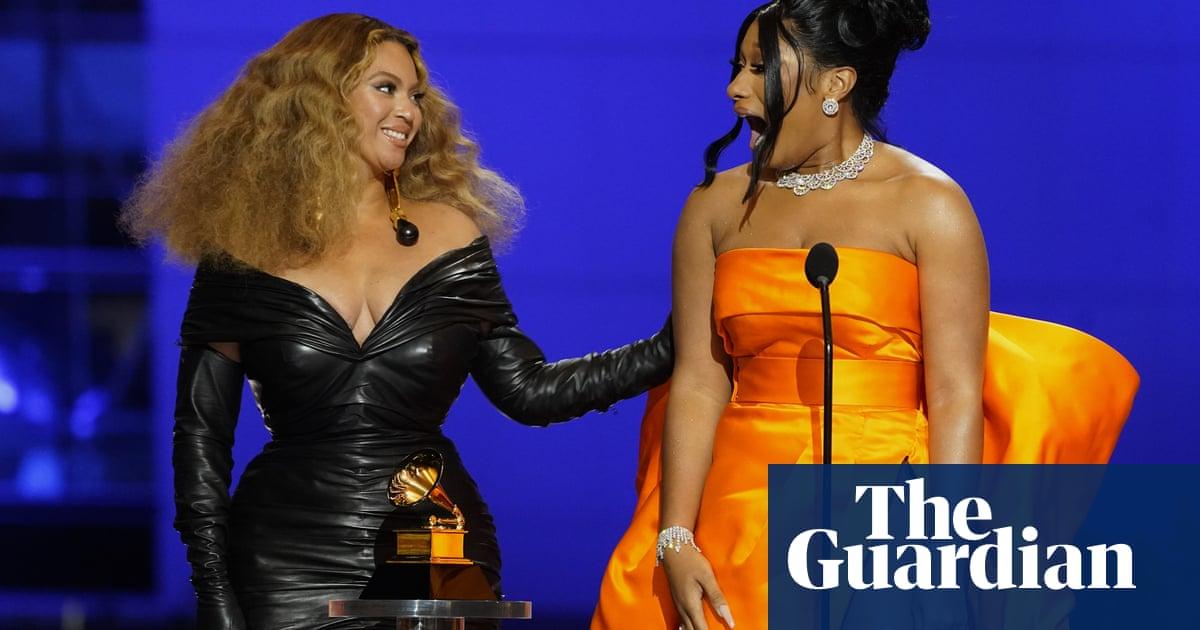 Beyoncé makes history at 2021 Grammys as women dominate – video