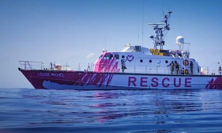Le navire Louise Michel financé par Banksy