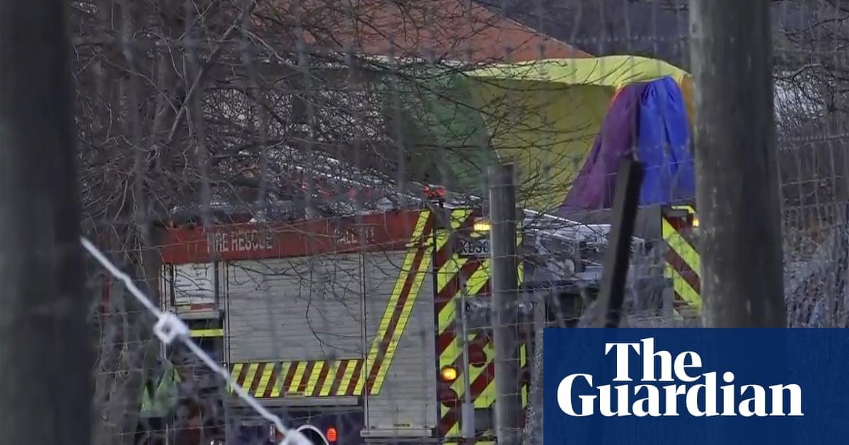 Hot air balloon crash near Queenstown in New Zealand injures all 11 passengers