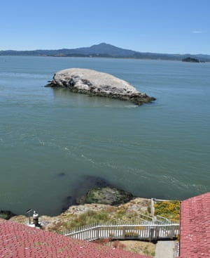 San Francisco lighthouse seeks caretakers  Salary: $130,000