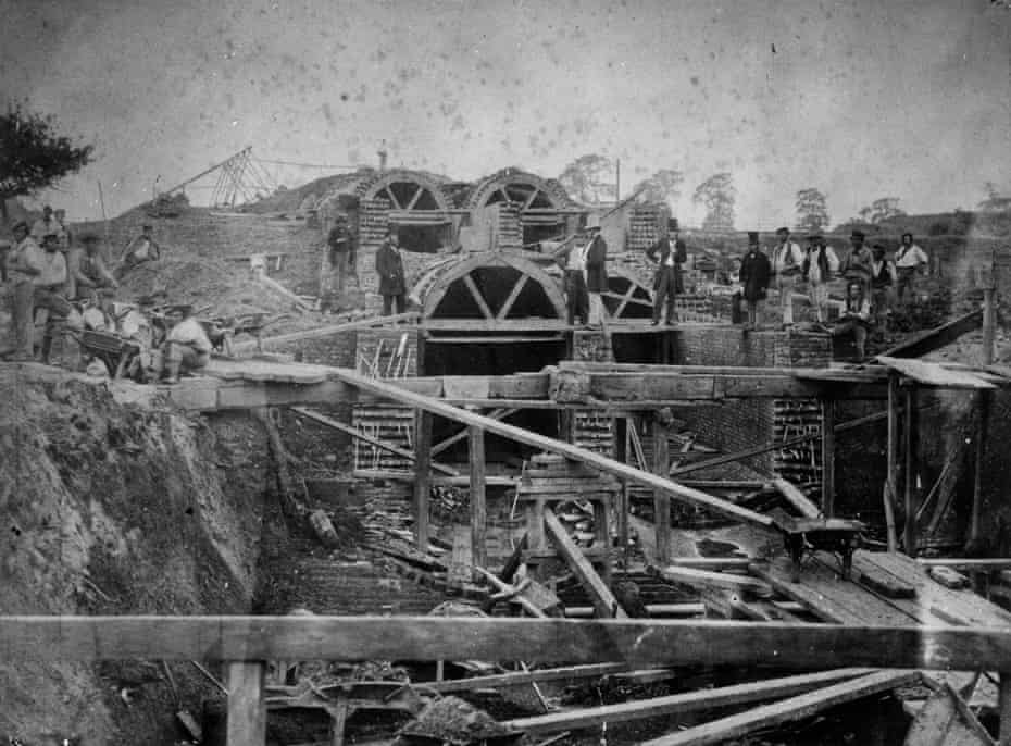 Workmen building the northern outfall sewer and overflow into the River Lea in 1862.