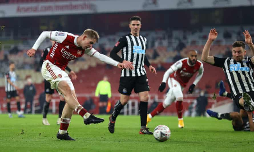 Emile Smith Rowe scores the opening goal in extra time of Arsenal's 2-0 victory against Newcastle that takes them into the fourth round of the FA Cup