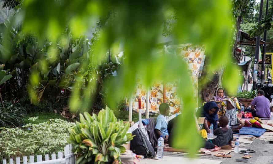 Asylum seekers outside Kalideres
