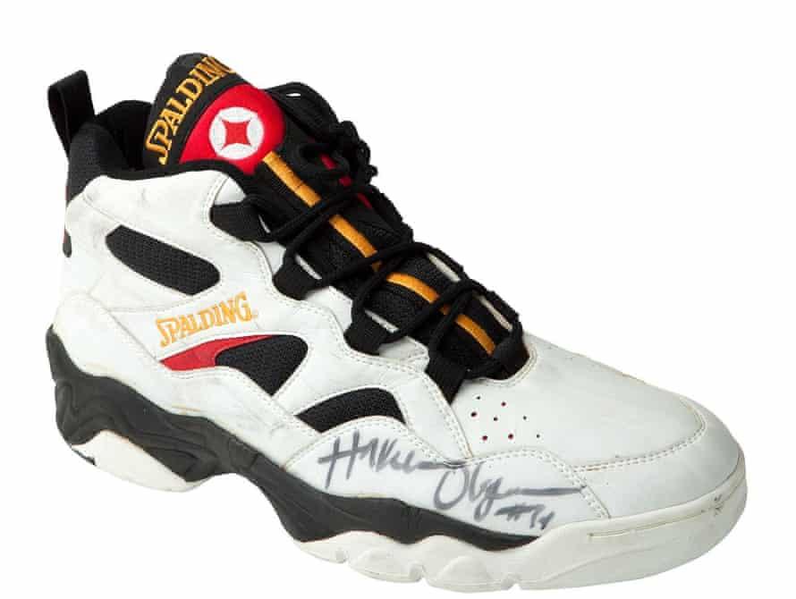 Hakeem Olajuwon signed Spalding sneaker