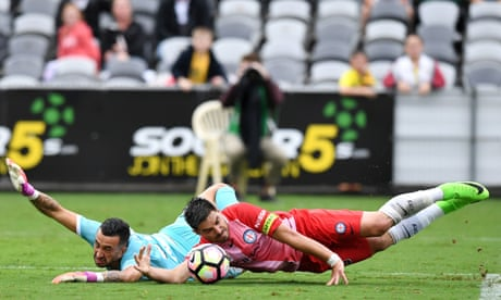 Melbourne City hold on in frantic finish to keep Central Coast at bay