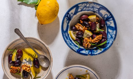 Clams, baked bream and torta caprese: recipes for an Italian summer feast