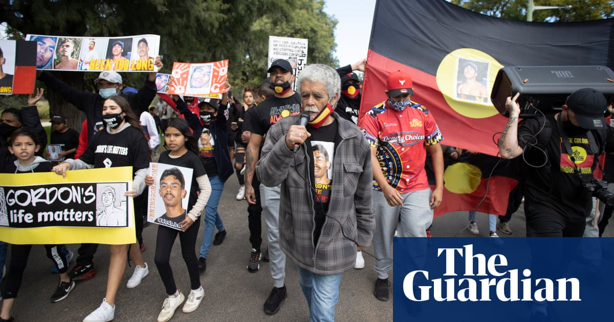 'Tell us the truth': marchers demand answers from NSW police on missing Aboriginal man Gordon Copeland