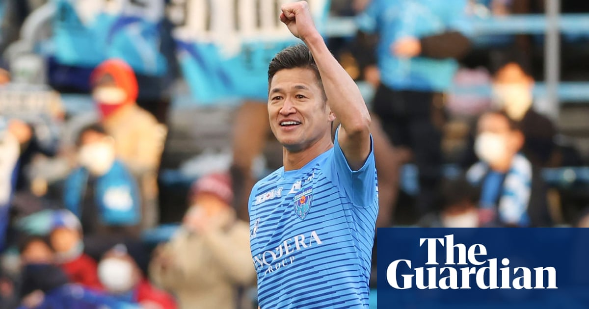 Kazuyoshi Miura signs contract to play past 54th birthday in Japan