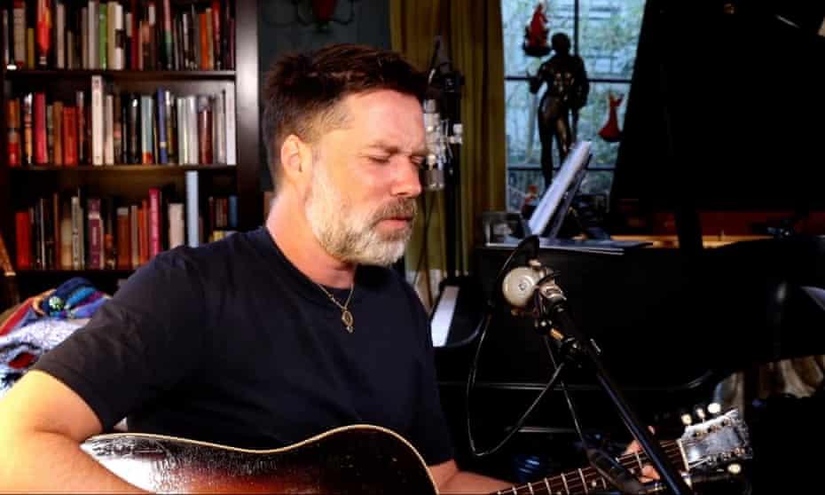 Rufus Wainwright livestreaming from his LA home, January 2021.