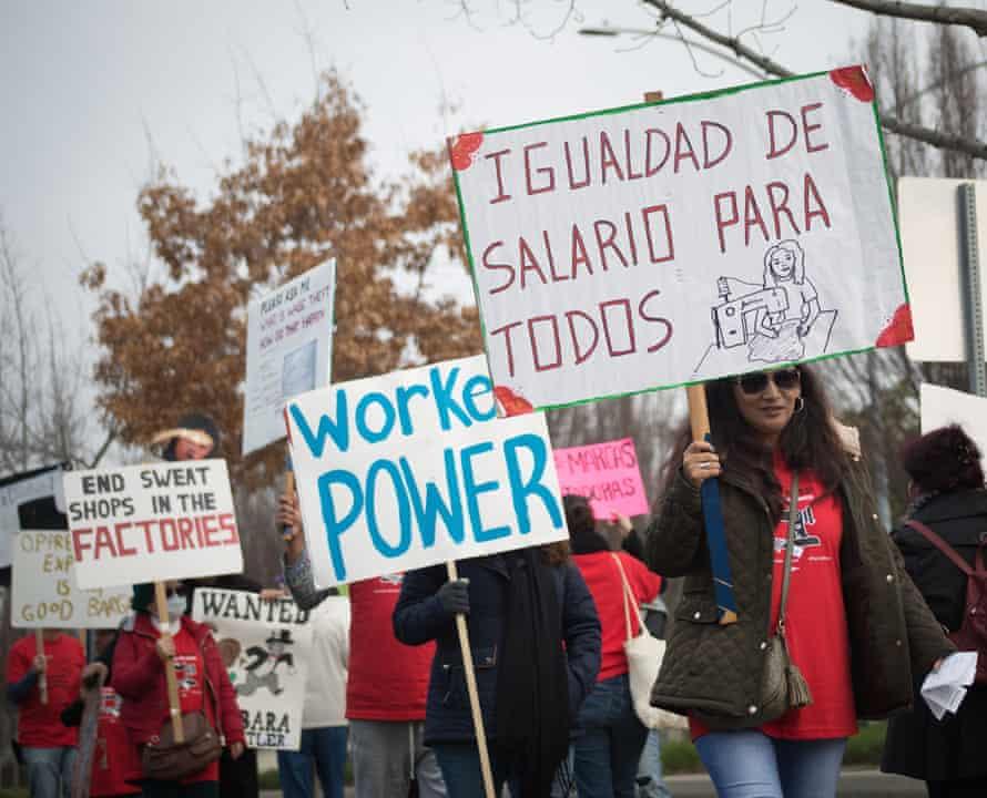 garment workers demonstrate