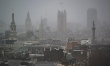 London's air quality is particularly bad on naturally foggy days, as polluting particles tend to increase the intensity of the fog.