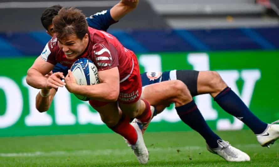 Antoine Dupont dives over to score the try which sealed victory for Toulouse against Bordeaux-Bègles and a place in the Champions Cup final.