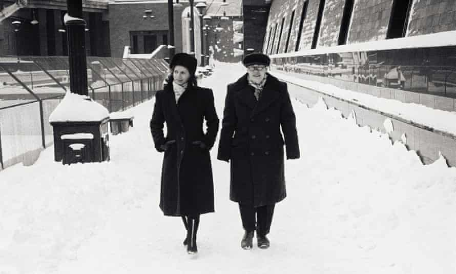 Two participants in the model Soviet-era research facility