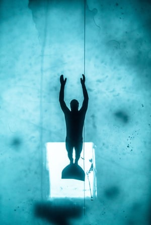 Arthur Guerin Boëri freediving 175 metres under a frozen lake in Heinola, Finland