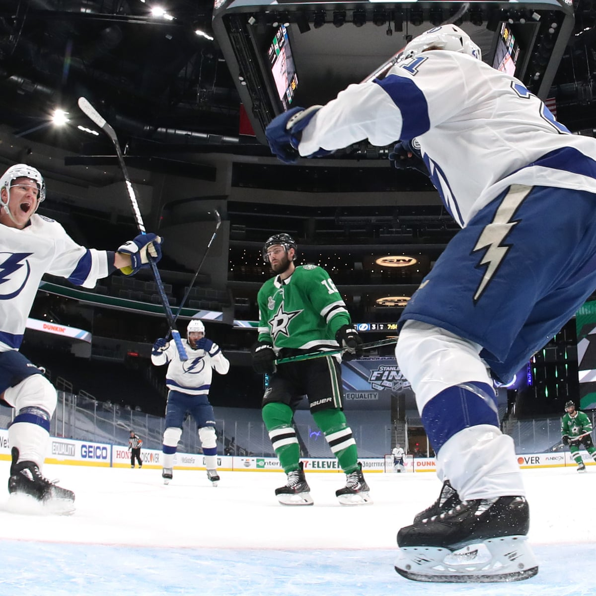 tampa bay lightning pour it on stars in game 3 as stamkos scores in comeback sport the guardian tampa bay lightning pour it on stars in