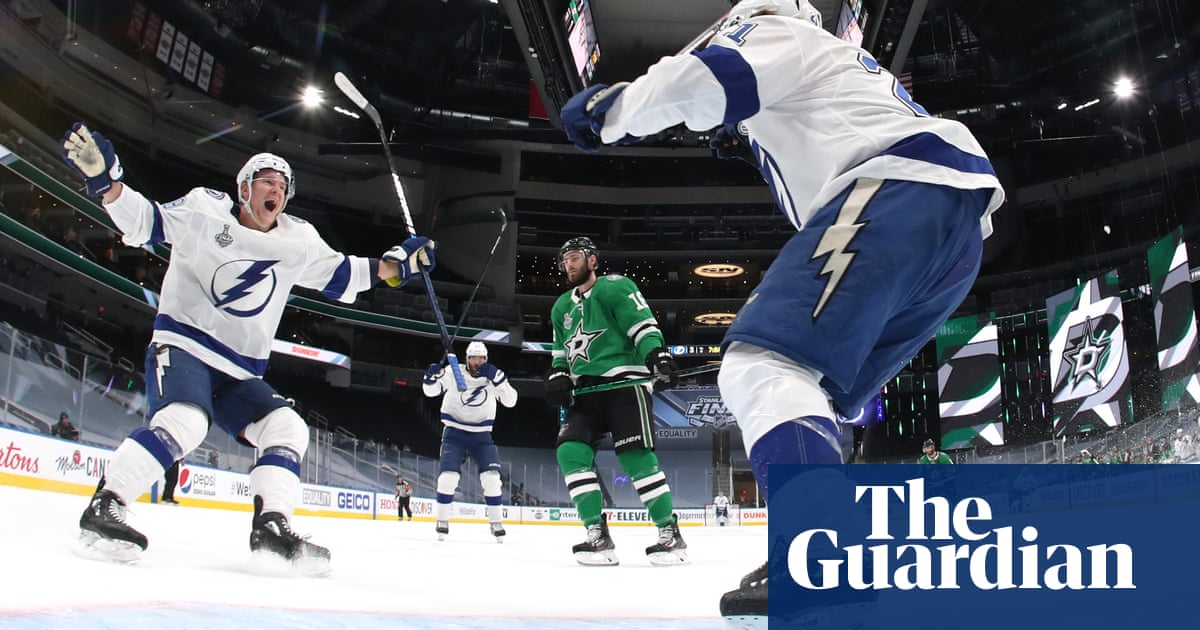 Tampa Bay Lightning pour it on Stars in Game 3 as Stamkos scores in comeback