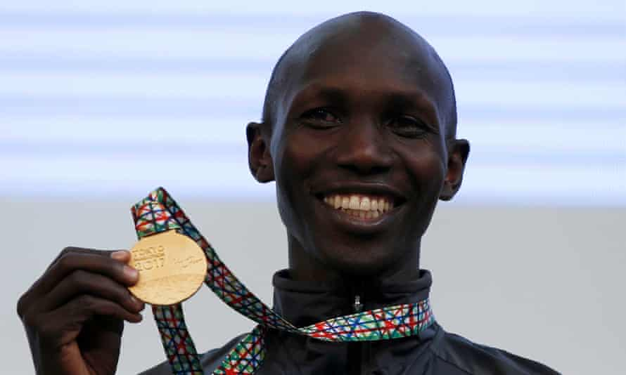 Wilson Kipsang poses with the gold medal he won at the 2017 Tokyo Marathon
