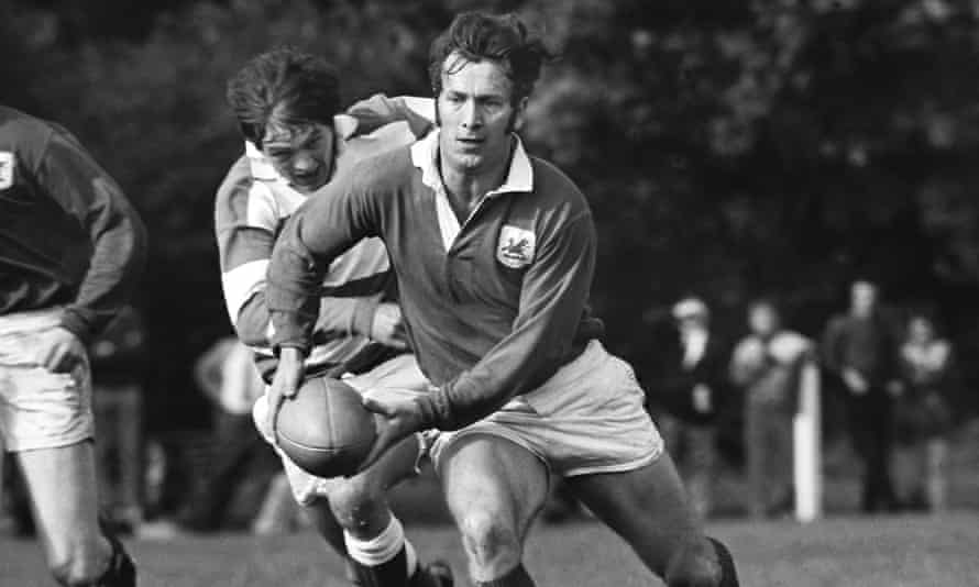 John Dawes playing for London Welsh against Abertillery at Old Deer Park, Richmond, south-west London, in 1970.