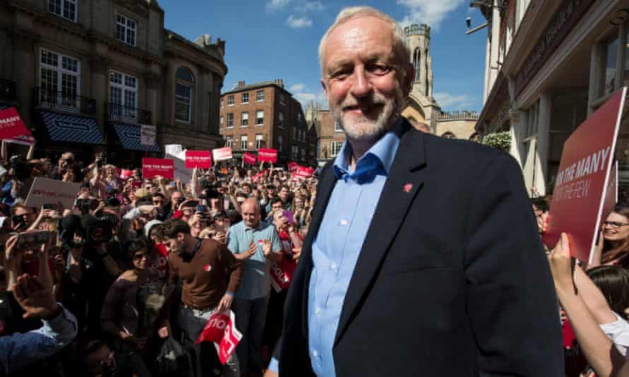 Jeremy Corbyn talks to a crown in York.