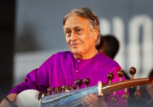 Sarod master Amjad Ali Khan performs with the Adelaide Symphony Orchestra.