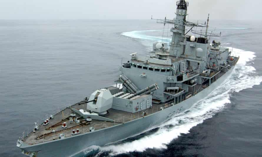 HMS Montrose drives off Iranian boats pursuing British tanker