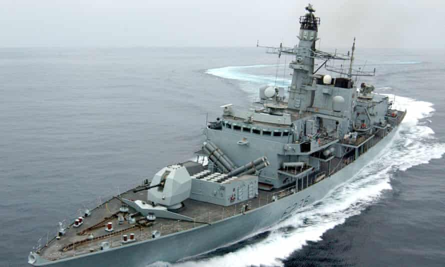 The Royal Navy frigate HMS Montrose positioned itself between British Heritage and the Iranian boats.