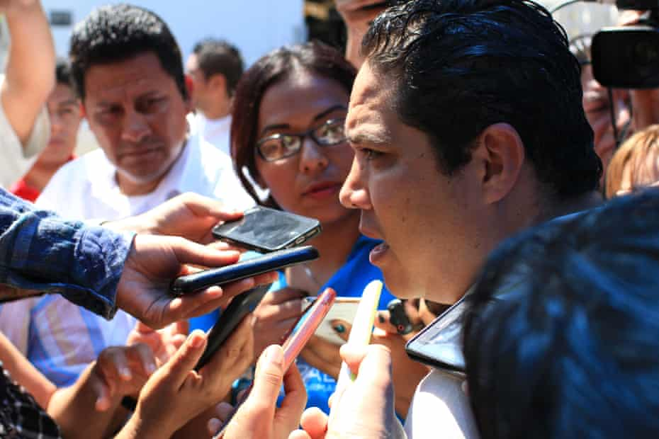 Mayor Velázquez at a press conference in Acapulco.