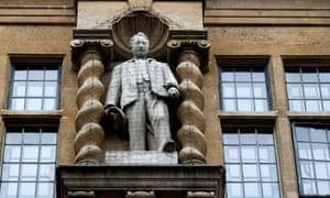 Statue of Cecil Rhodes at Oxford University