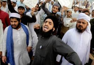 Lahore, Pakistan: Supporters of Mumtaz Qadri