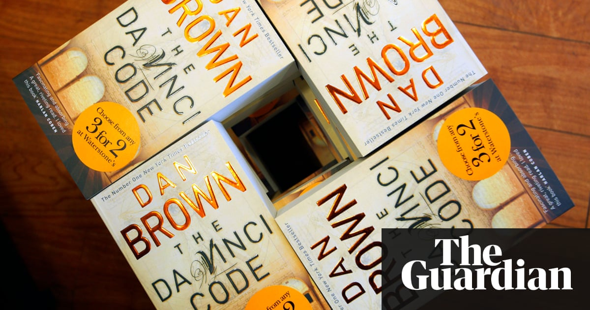 The da vinci code code whats the formula for a bestselling book sales puzzle solved copies of the da vinci code piled up in a branch of solutioingenieria Images