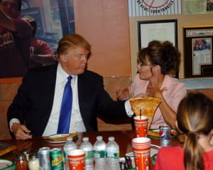 Trump and Sarah Palin sit down for pizza at Famous Famiglia pizza in New York